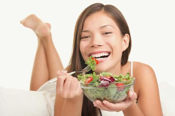 Resultado de imagem para Nutrientes essenciais para a queda do cabelo