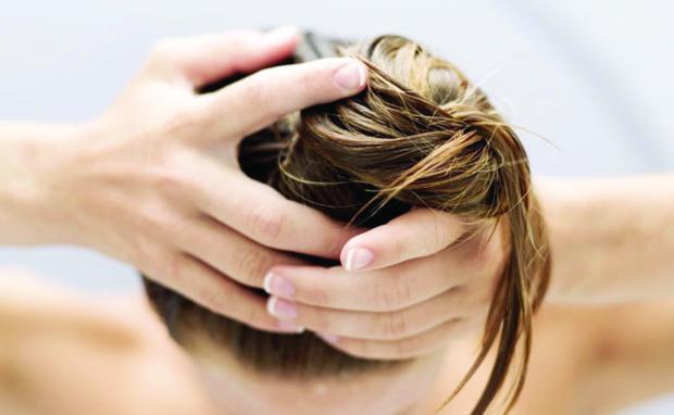 como-cuidar-dos-cabelos-oleosos-dicas