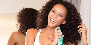 Como cuidar e hidratar os cabelos cacheados 2