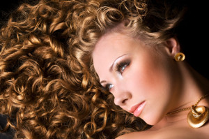 Como cuidar e hidratar os cabelos cacheados 3
