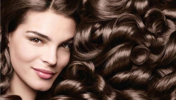 Óleo de rícino para crescimento e fortalecimento dos cabelos