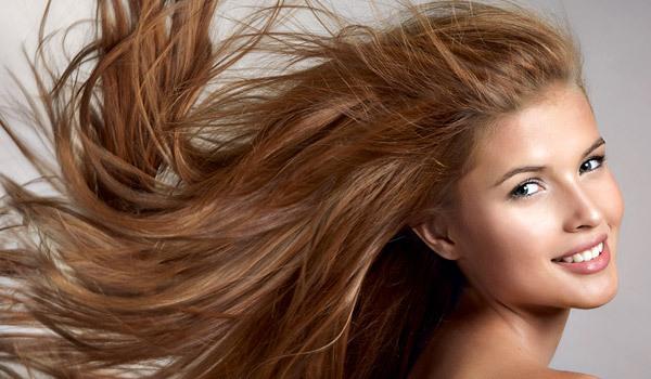 oleo-de-amêndoas-doce-nos-cabelos-como-usar-em-casa