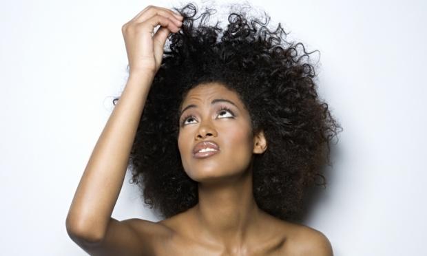 Como cuidar e hidratar cabelos afros e crespos dicas