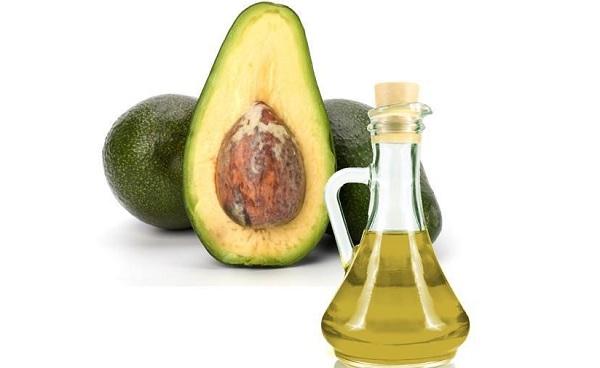 umectacao-com-oleo-de-abacate-como-fazer