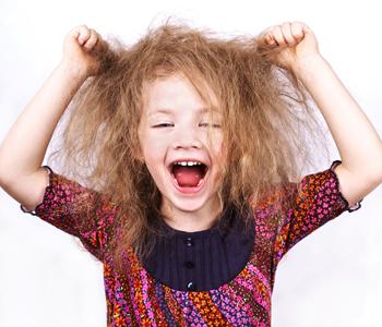 Crianças podem usar o secador e chapinha?