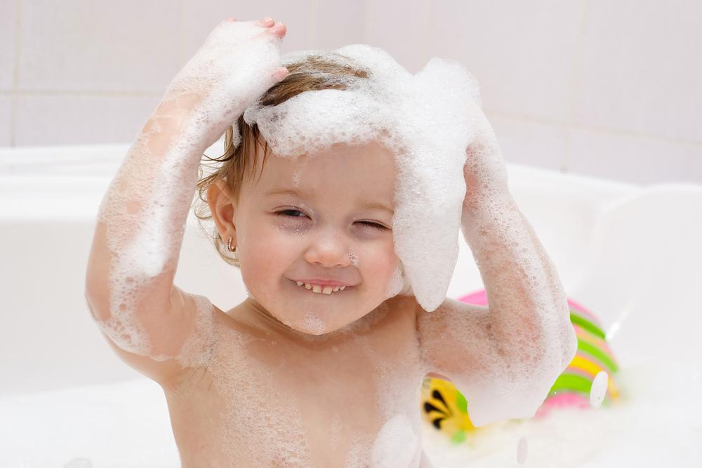 Pode lavar os cabelos das crianças todo dia?