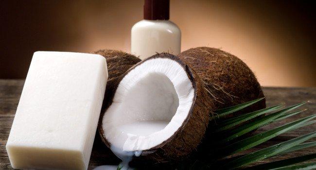 Sabão de coco faz mal ou bem aos cabelos?