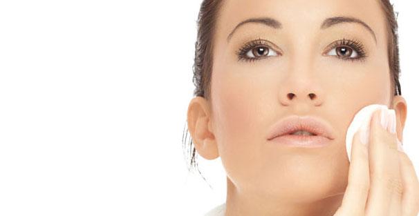 como remover a maquiagem corretamente