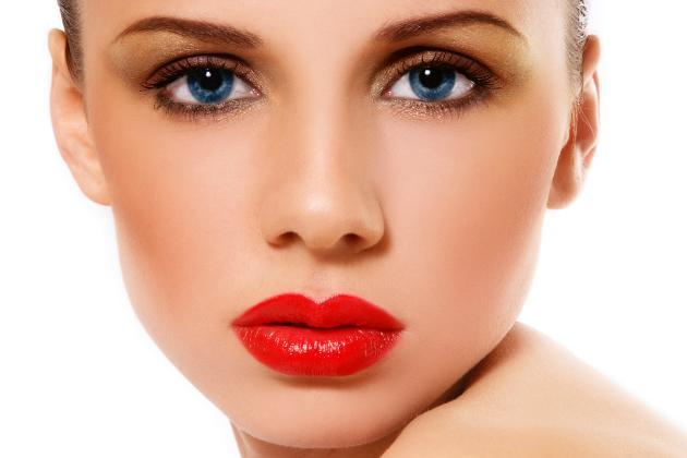 maquiagem-com-batom-vermelho