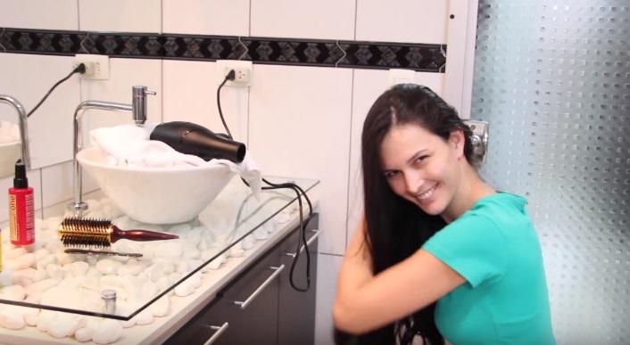 Como Secar o Cabelo Rápido Sozinha