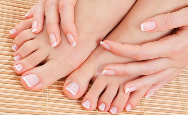 Tratar rachaduras e hidratar os pés