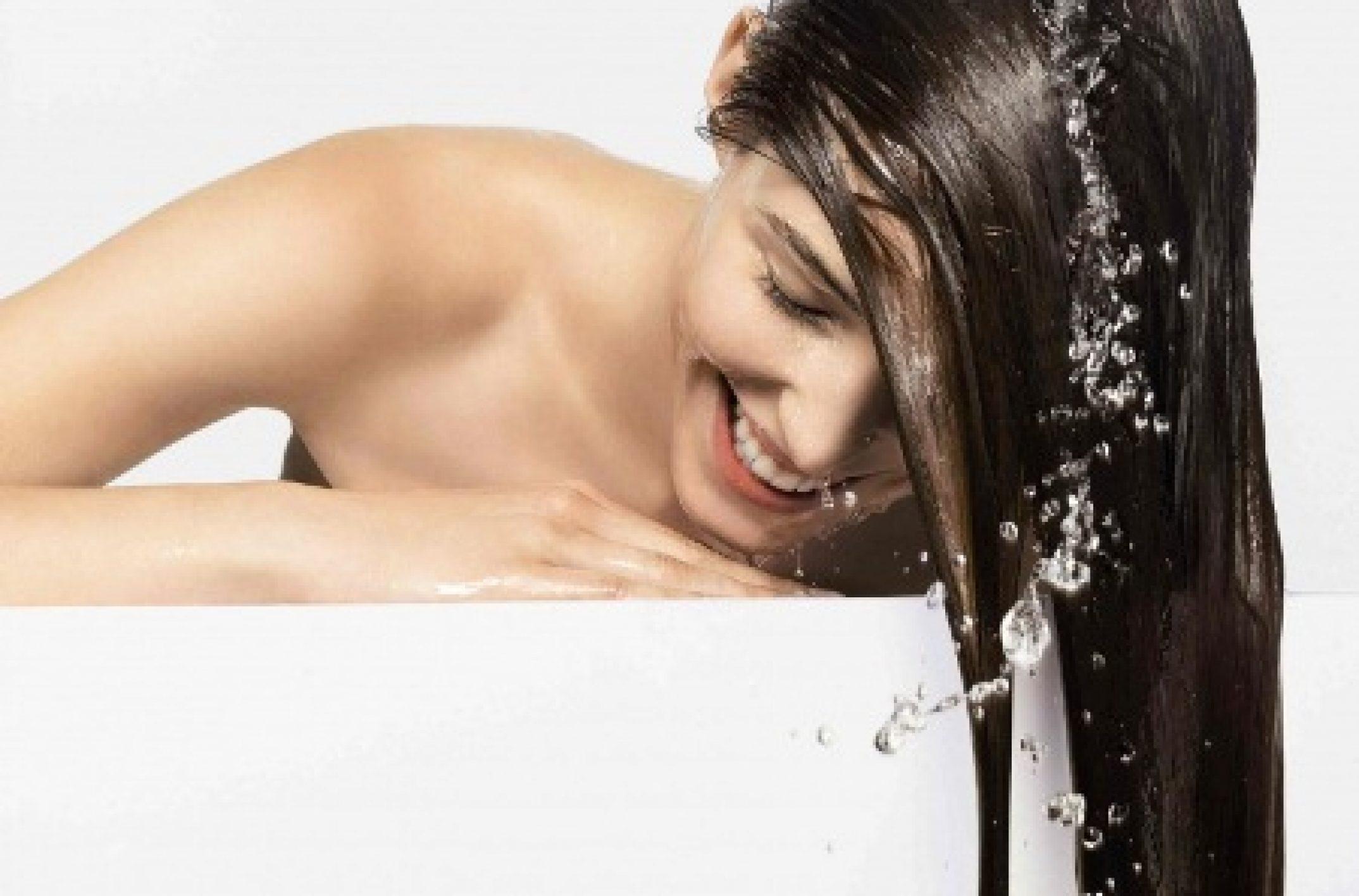 dicas-para-conseguir-o-crescimento-saudavel-do-cabelo-lavar-na-agua-fria