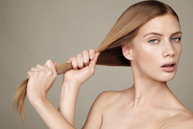 erros-que-fazem-o-cabelo-cair-mais-prender-o-cabelo-forte-demais