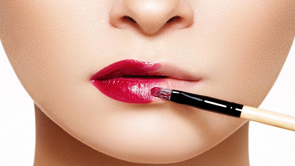 como-aumentar-os-labios-com-maquiagem