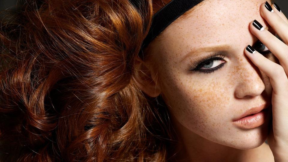 como-esconder-sardas-com-maquiagem