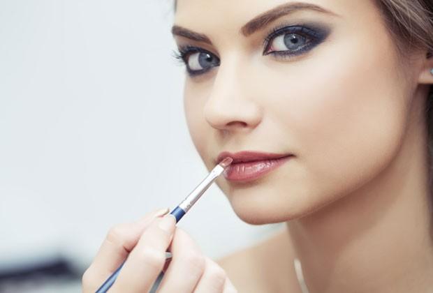 como-fazer-a-maquiagem-durar-o-dia-todo-batom