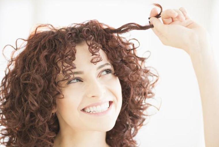 melhores-produtos-para-cabelos-cacheados-ativador