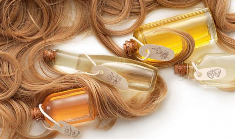 melhores-produtos-para-cabelos-cacheados-oleos