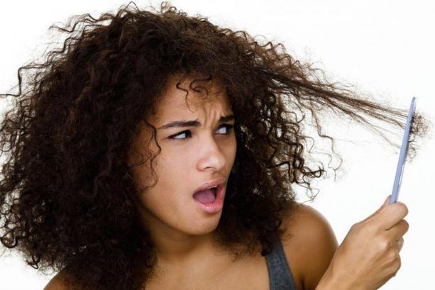 como-acelerar-o-crescimento-do-cabelo-cacheado-ressecamento