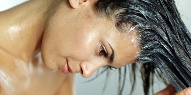 como-recuperar-os-cabelos-quebrados-no-topo-da-cabeca-hidratacao