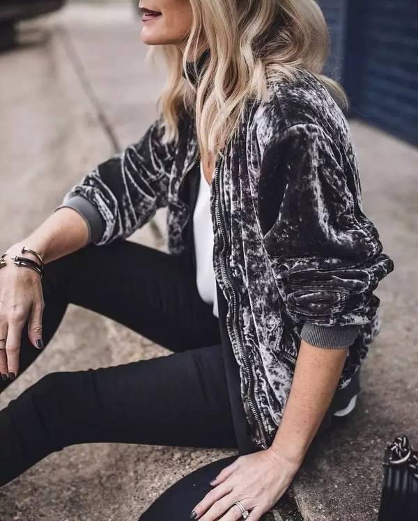 tendencias-de-casacos-femininos-para-o-inverno-2017-casaco-veludo
