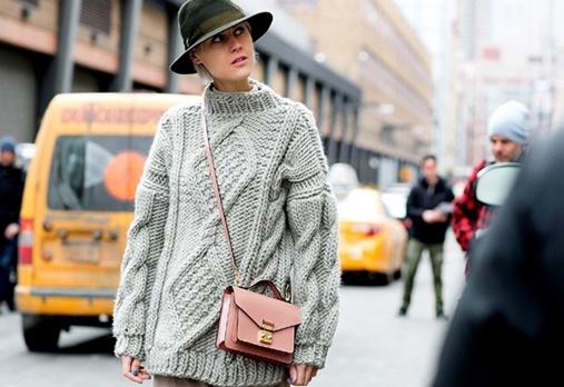 tendencias-de-casacos-femininos-para-o-inverno-2017-trico