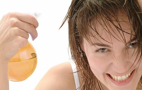 acidificante-capilar-o-que-e-e-como-usar-vinagre