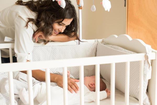 como-fazer-o-bebe-dormir-sozinho-berco