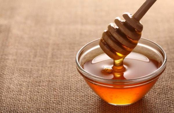 receita-caseira-clareadora-para-axilas-mel