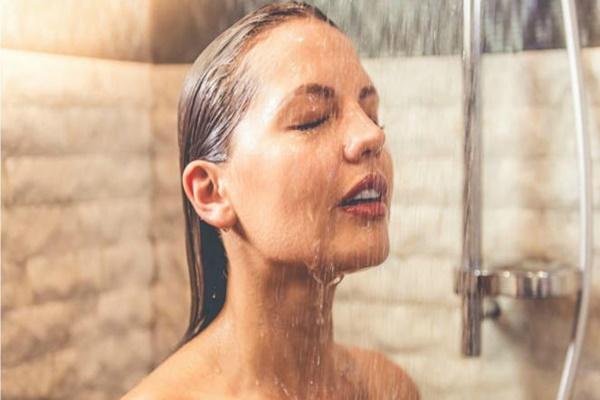 cuidados-necessarios-com-a-pele-no-inverno-banho