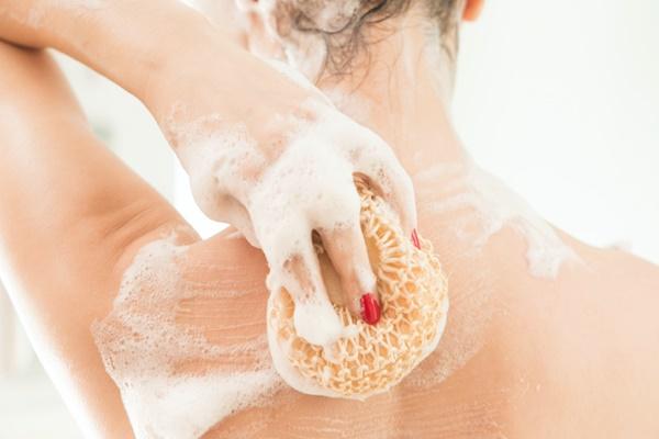 cuidados-necessarios-com-a-pele-no-inverno-esponja