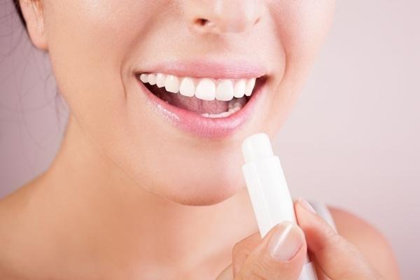 cuidados-necessarios-com-a-pele-no-inverno-labios