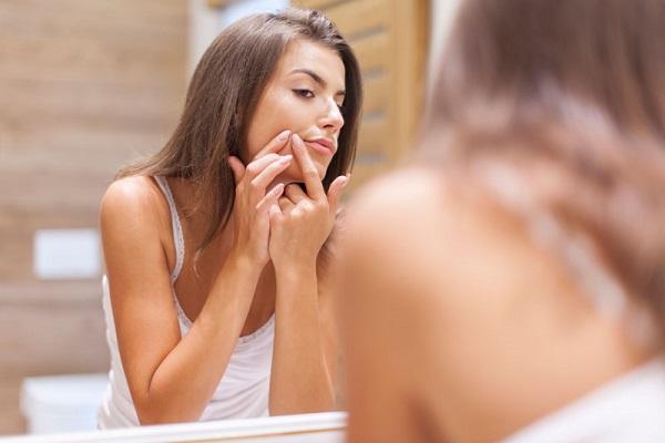 conheca-alguns-cuidados-simples-para-manter-a-sua-pele-saudavel-e-muito-bonita-espinha