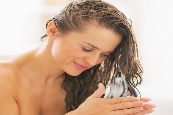 pre-poo-proteja-o-cabelo-e-acabe-com-ressecamento-dos-fios-e-pontas-creme