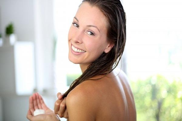 saiba-como-driblar-quatro-dificuldades-bem-comuns-dos-cabelos-condicionador