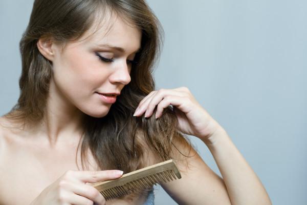 saiba-como-driblar-quatro-dificuldades-bem-comuns-dos-cabelos-pente