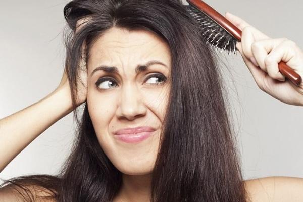 triconodose-nos-no-cabelo-porque-eles-surgem-causas-e-tratamentos-pentear