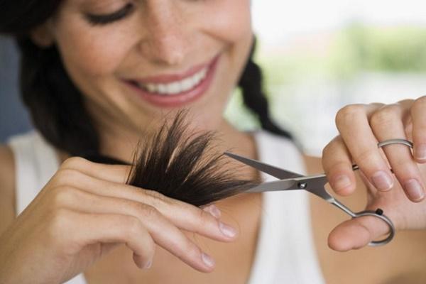 triconodose-nos-no-cabelo-porque-eles-surgem-causas-e-tratamentos-pontas
