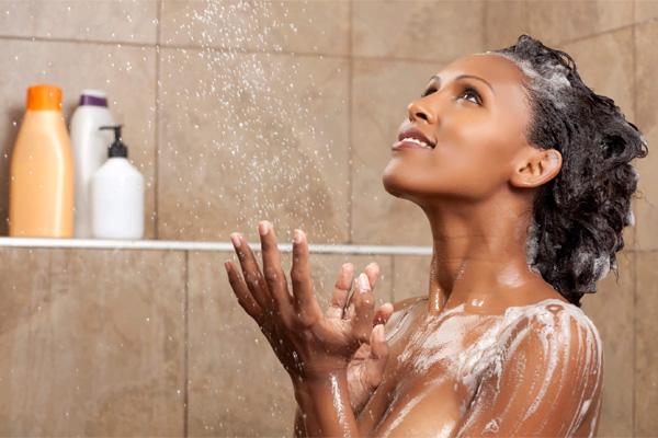 cabelo-afro-quebradico-como-recuperar-banho