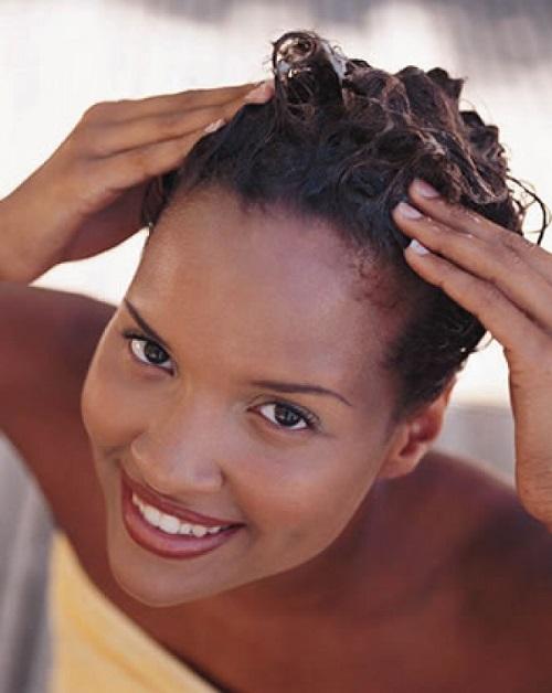 cabelo-afro-quebradico-como-recuperar-hidratacao