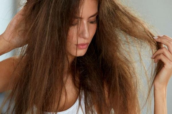 como-cuidar-dos-cabelos-com-luzes-progressiva-mechas-e-descoloracao-quimicas-ressecado