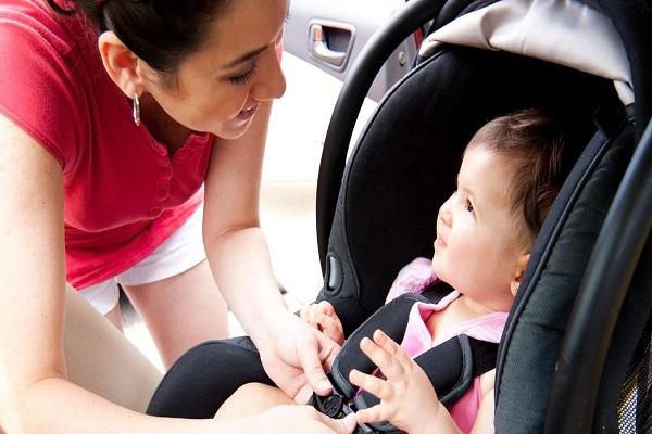 maneiras-simples-para-estimular-o-bebe-a-comecar-a-falar-carro