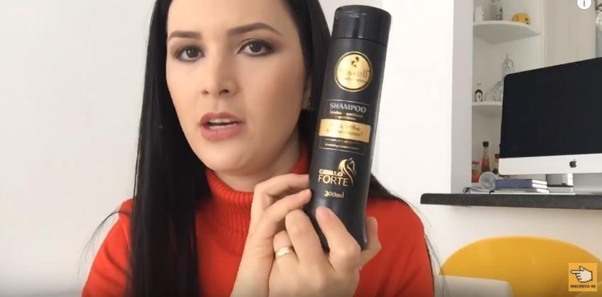 como-recuperar-o-cabelo-elastico-em-apenas-um-dia-shampoo