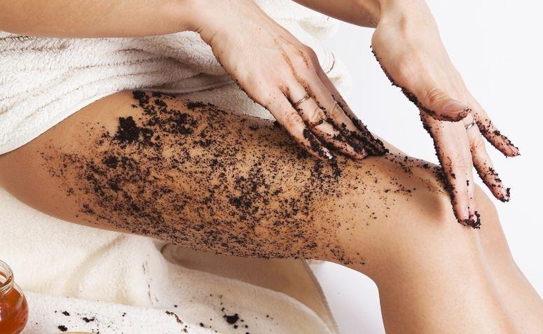 tratamento-caseiro-para-celulite-como-diminuir-celulite-nas-coixas-pernas-e-barriga-cafe