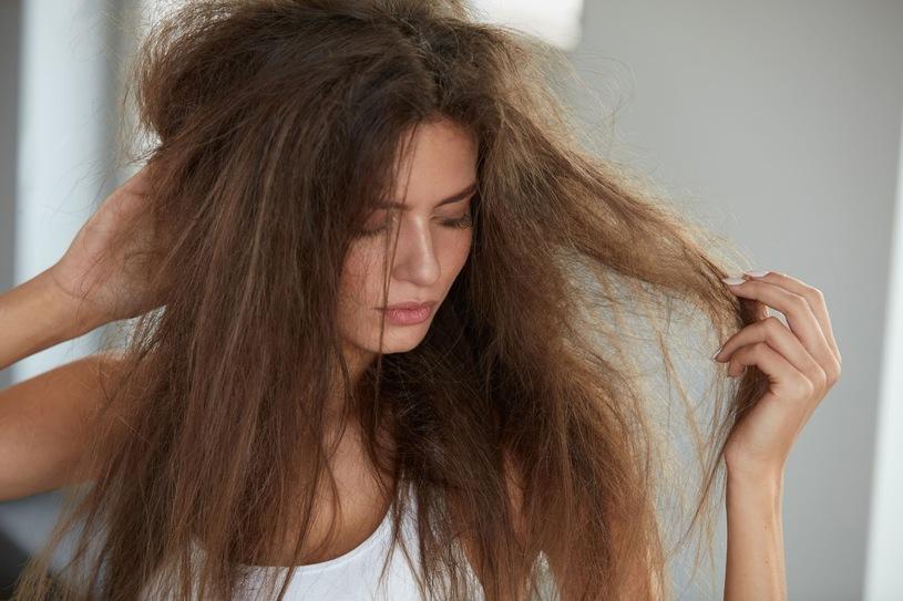 porque-a-progressiva-nao-dura-quase-nada-no-cabelo-porosidade