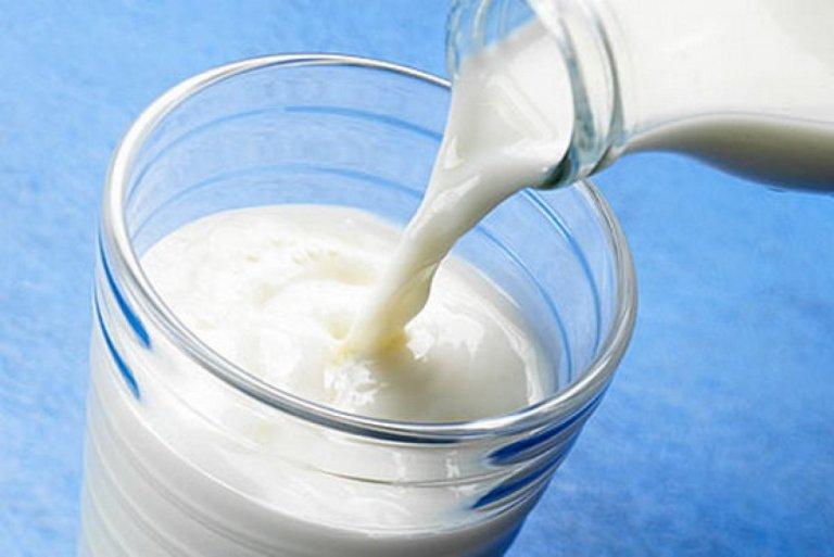 melhores-receitas-para-cabelos-quebradicos-leite