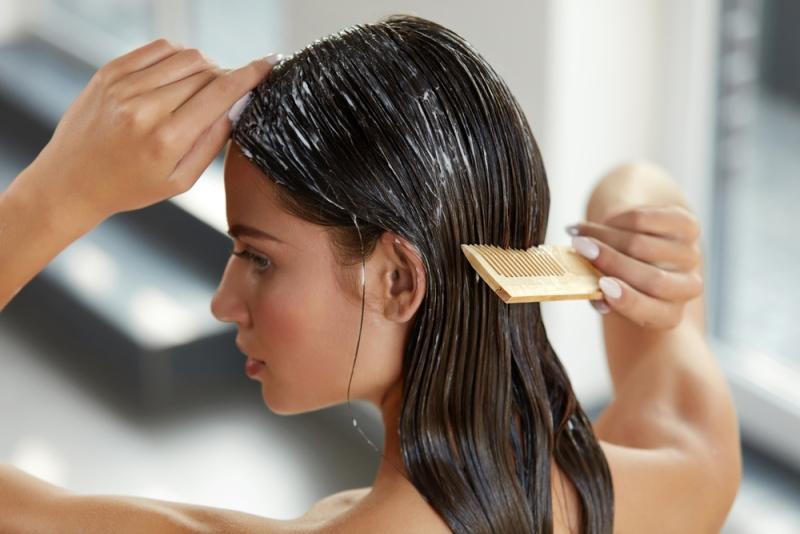 o-que-fazer-quando-o-cabelo-esta-caindo-muito-produtos