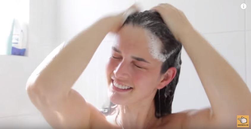 faca-o-seu-cabelo-crescer-enquanto-dorme-hidratacao-caseira-shampoo