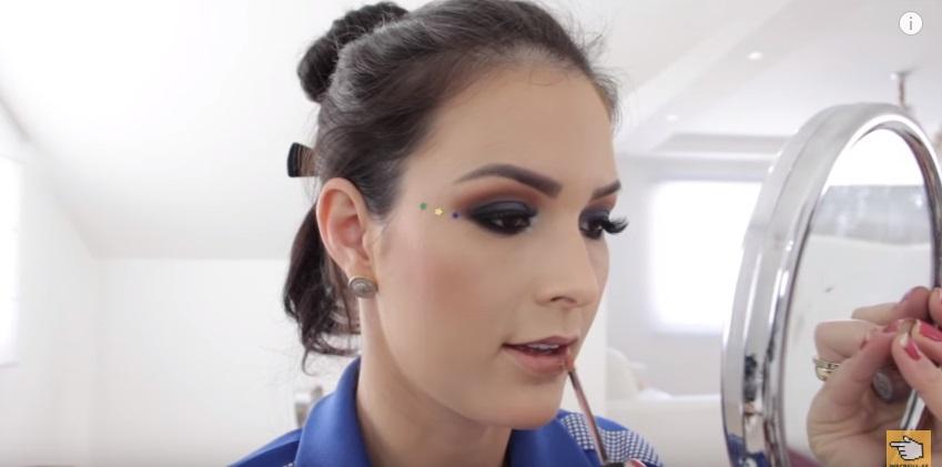 maquiagem-para-a-copa-do-mundo-sera-que-deu-certo-batom