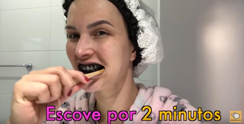 Como Clarear Dentes Com Carvao Carvvo E Bom Funciona